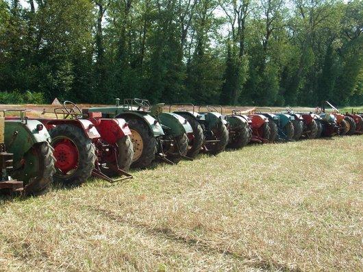 Photo 3 me salon des tracteurs anciens au mus e agricole for Salon de la machine agricole