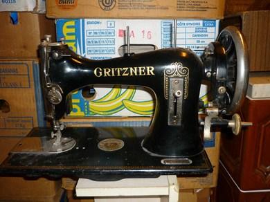 photo machine coudre gritzner. Black Bedroom Furniture Sets. Home Design Ideas