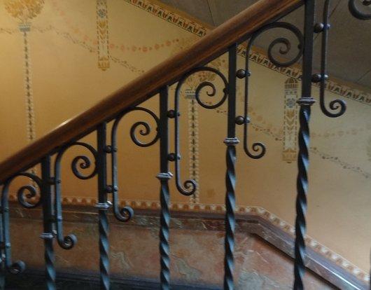 Immeuble corn lia lausanne notre histoire for Peinture cage escalier immeuble