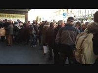 Lausanne attente avant l'ouverture des portes du buffet de la gare